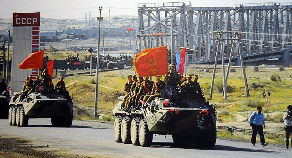 Un 14 avril 1988 : Soviétiques et Afghans signent un accord par lequel Moscou accepte de retirer ses troupes du pays